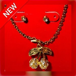 🆕📿 3 PC Cherry Necklace/Studs Set